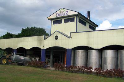 vers la distillerie DEPAZ
